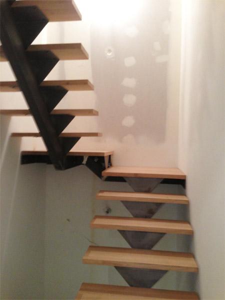 R alisation escaliers sur mesure sur l 39 ouest lyonnais for Escalier avec palier intermediaire