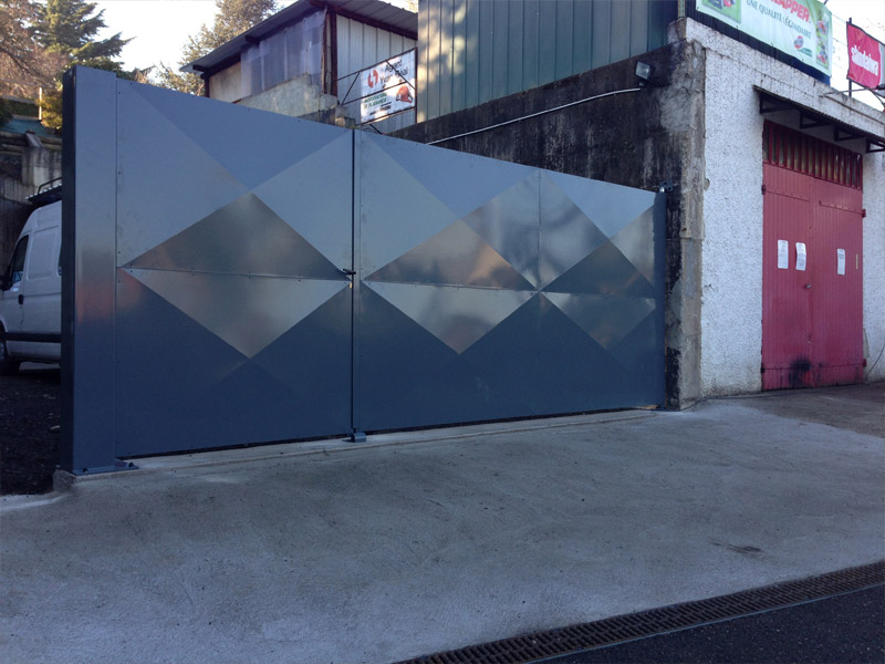 r alisation de portails sur l 39 ouest lyonnais. Black Bedroom Furniture Sets. Home Design Ideas